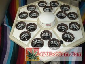 RainForest 318 top with net pots and vortex sprayer